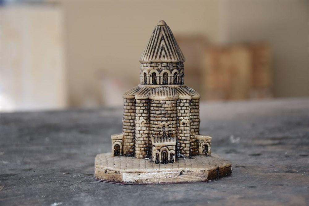 Kars'ın asırlık abide yapıları minyatüre dönüştü - 2
