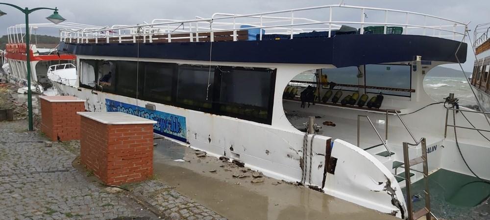 Ayvalık'ta fırtına: 20 tekne battı - 10