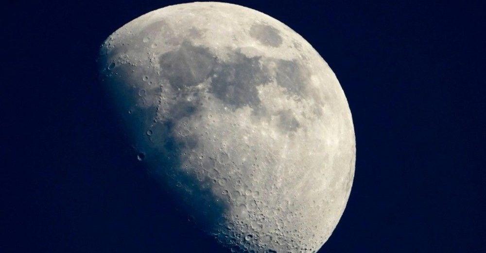 Ödüllü bilim muhabirinden ilginç iddia: Dinozorlar Ay'a NASA'dan önce ulaşmış olabilir - 3