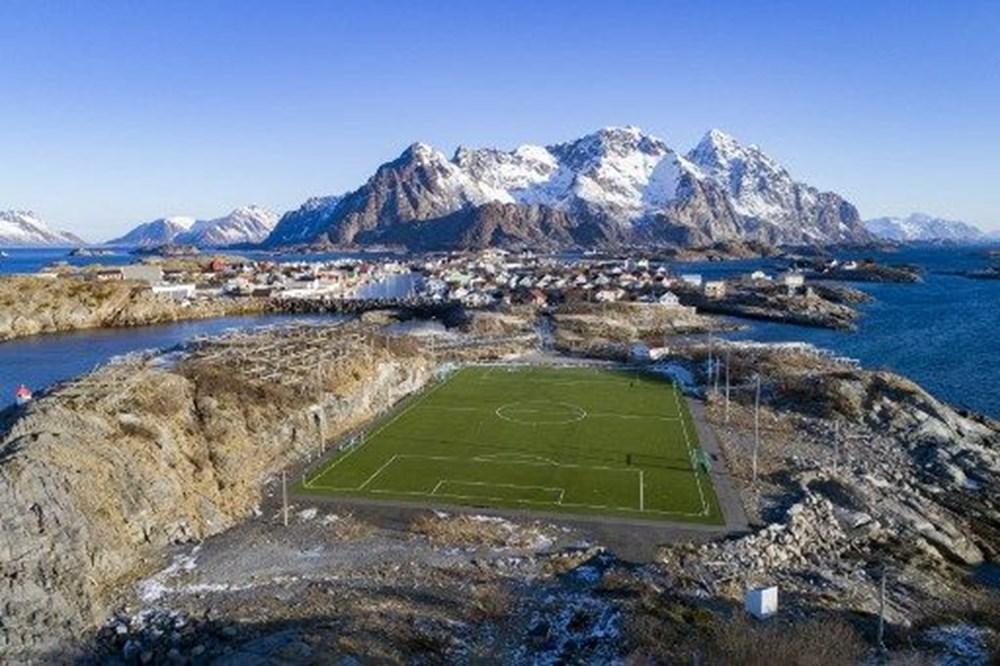 Dünyanın en ilginç futbol sahaları - 1