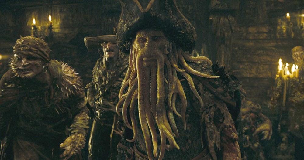 Sinemada canlandırdığı karakterin makyajının arkasında saklı kalan yıldızlar - 7