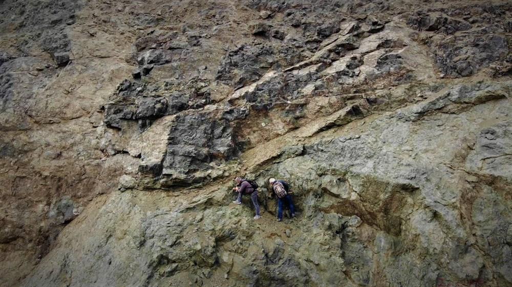 Onlar süs taşı avcıları: Komando gibi dağlarda gezerek süs taşı arıyorlar - 4