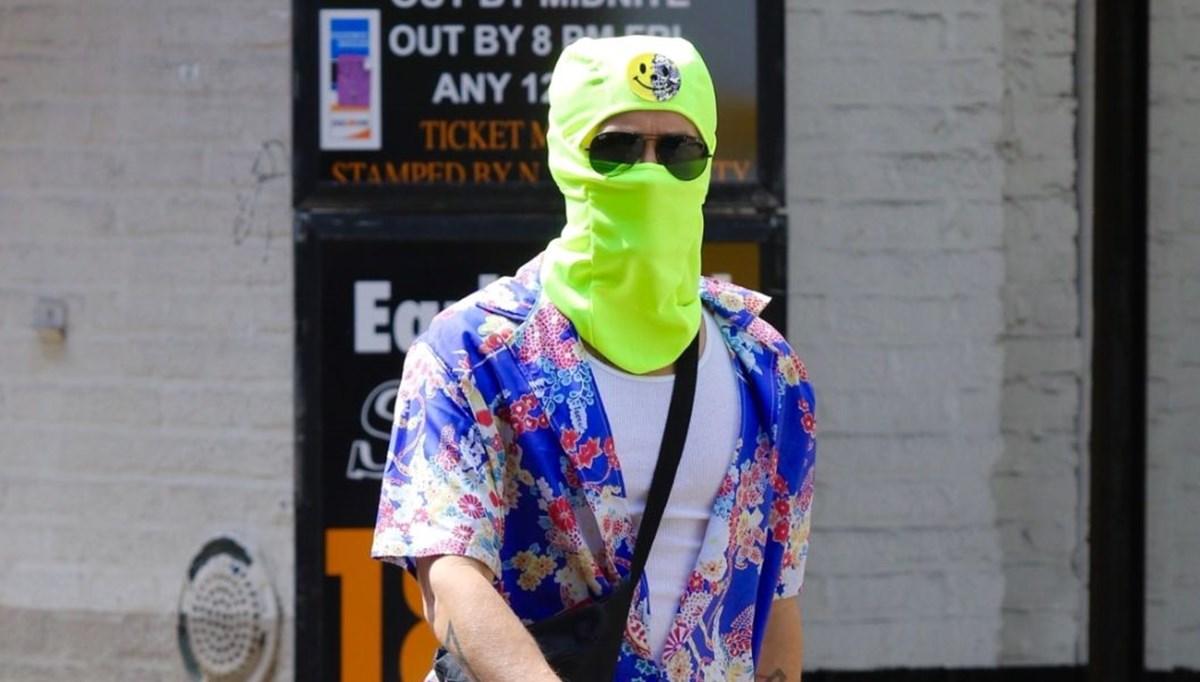 Jared Leto farklı maske tedbiriyle bile tanındı
