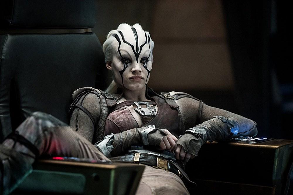 Sinemada canlandırdığı karakterin makyajının arkasında saklı kalan yıldızlar - 17
