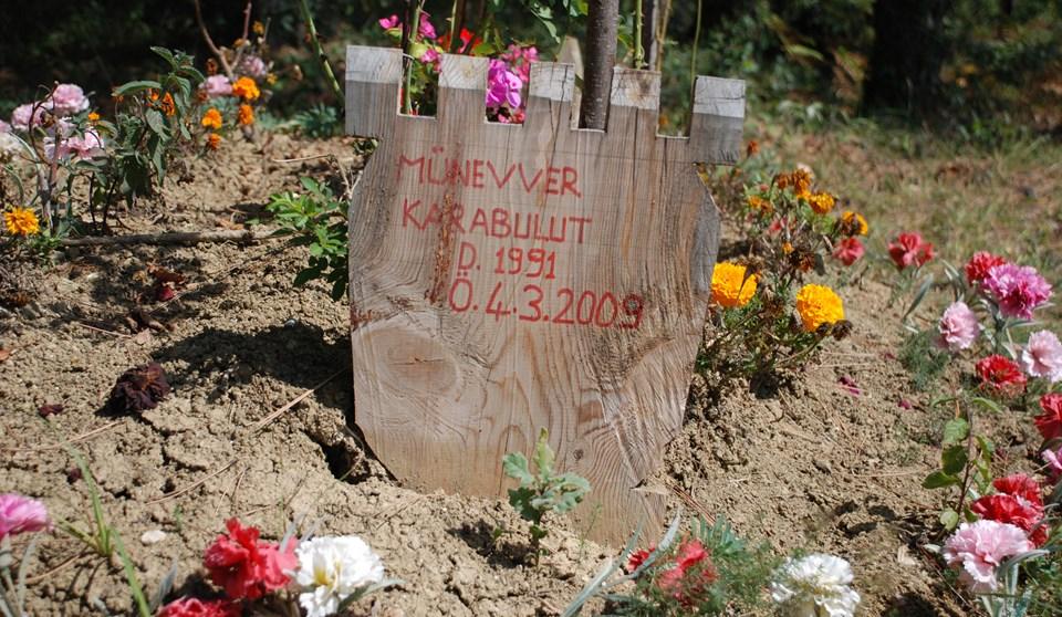 Karabulut'un mezarı bir yıl önce çiçeklerle bezeliydi.