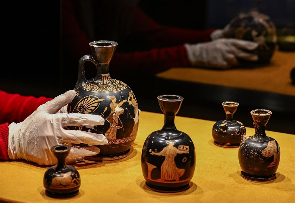 Tarihi 'parfüm şişeleri' ilk kez sergileniyor - 6