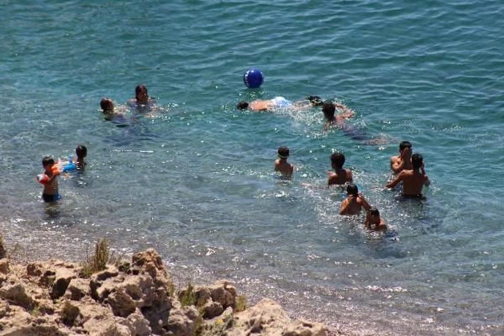 Antalya sahillere akın etti - 2