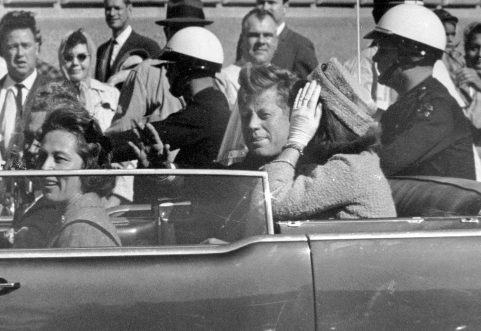 John F. Kennedy ve eşi Jacqueline