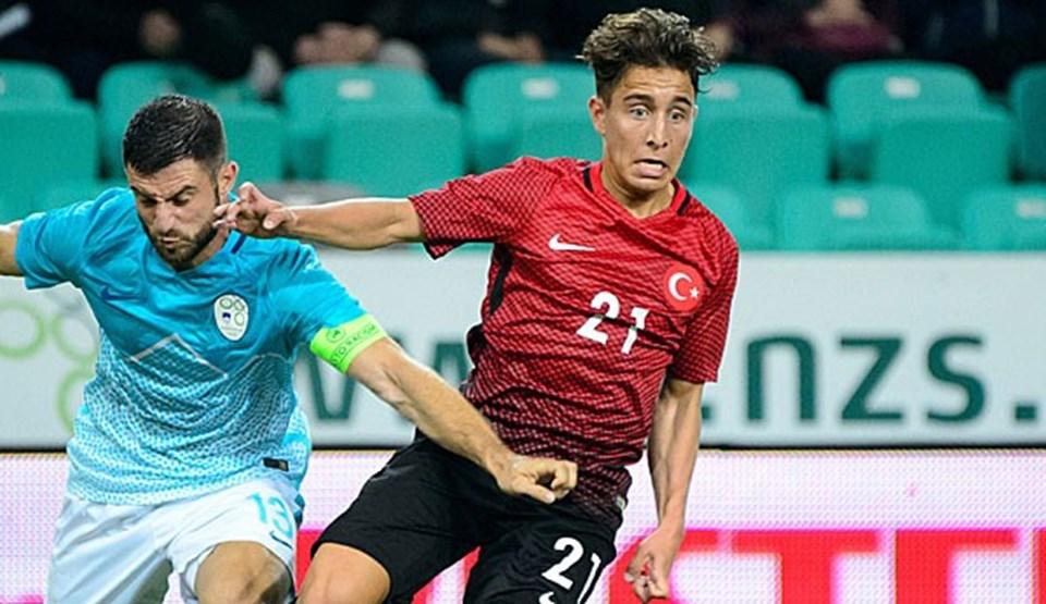 Danimarka doğumlu Emre Mor, Fatih Terim tarafından A Milli Takım aday kadrosuna alındı. 18 yaşında milli takıma çağrılan Emre Mor, EURO 2016'nın en genç yetenekleri arasında gösteriliyor.