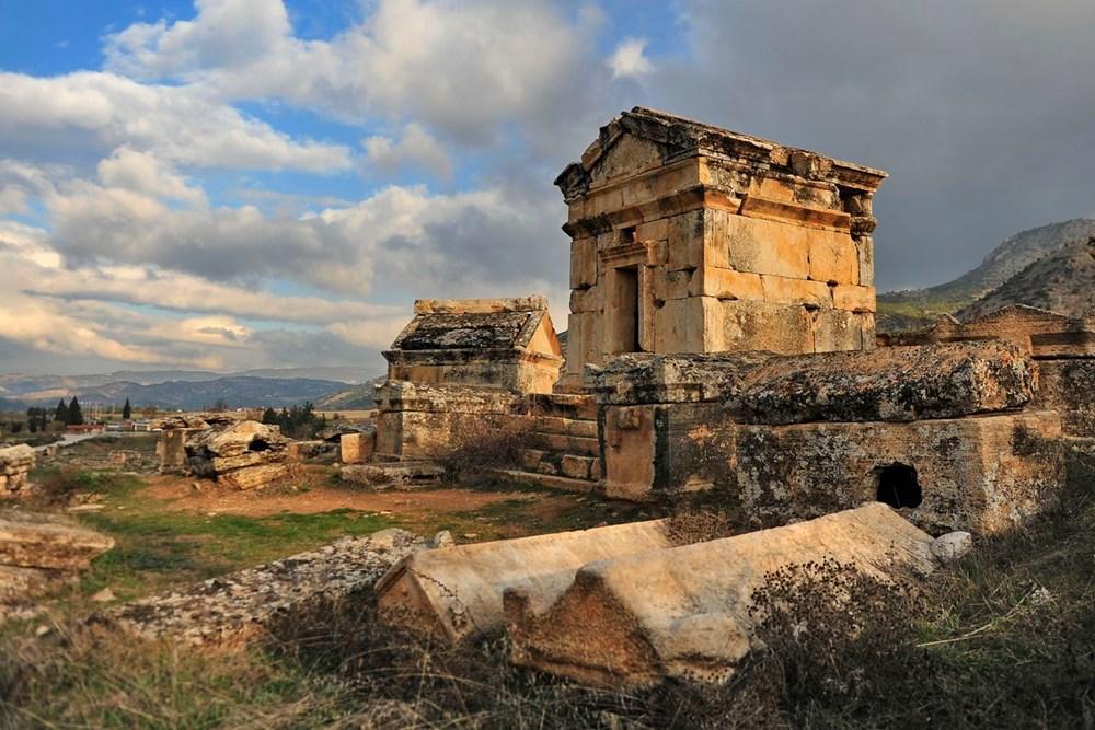 Türkiye'nin 'cehenneme' açılan  kapısının binlerce yıllık sırrı keşfedildi - 15