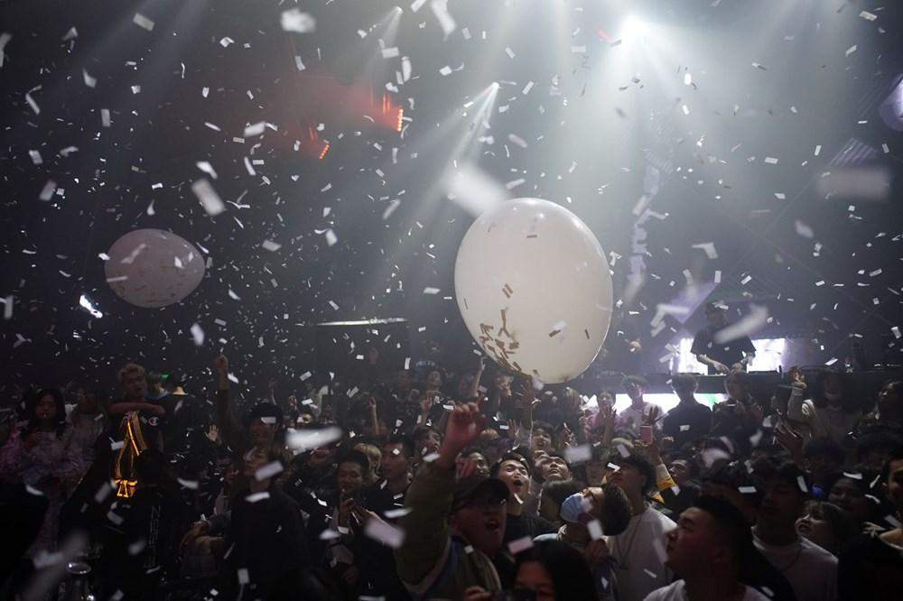 Wuhan'da gece hayatı: Partilere tepki yağıyor - 7