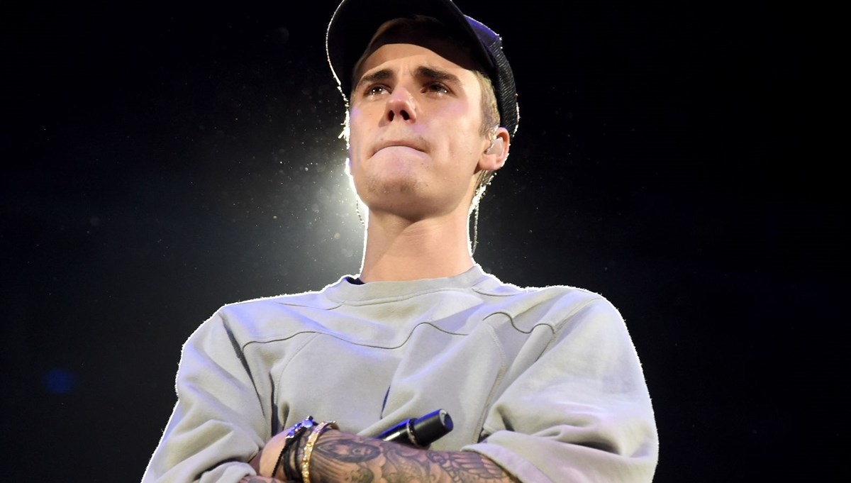 Justin Bieber tırnaklarıyla gündemde