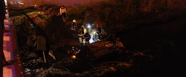 Otomobil atık su kanalına devrildi: 1 ölü, 1 yaralı