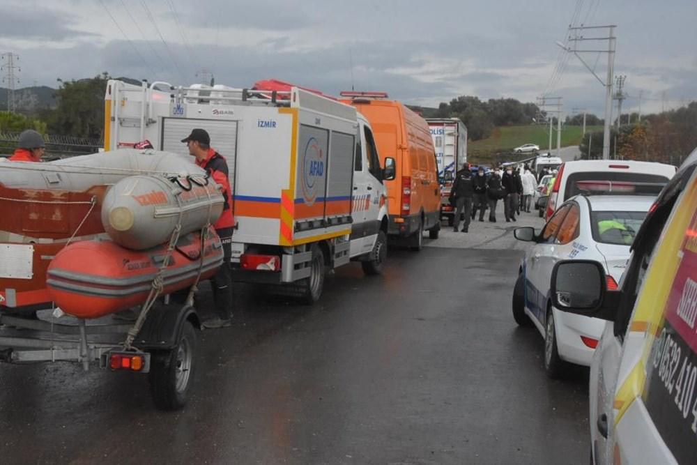 İzmir'de yağışın ardından deniz taştı: 1 kişinin cansız bedenine ulaşıldı - 8
