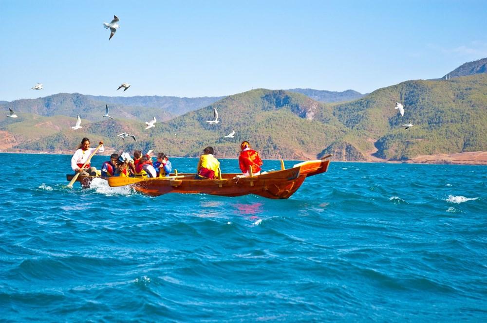 anaerkil toplum, mosuolar, anaerkil topluluk, anaerkil halk, anaerkil ülkeler, lugu gölü, mosuo kabilesi