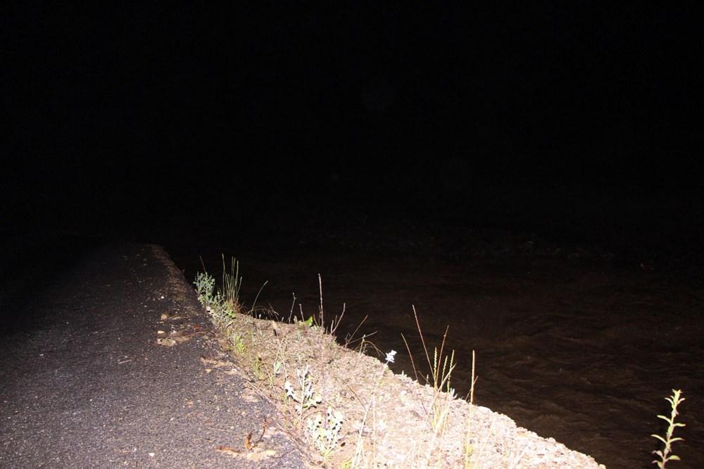 Düzce'de dere taştı, yol çöktü: Kentte sağanak etkili oldu - 21