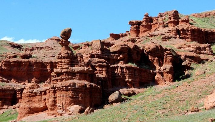 Erzurum'un kırmızı periler diyarı 'Narman Peribacaları' doğal sit alanı oldu