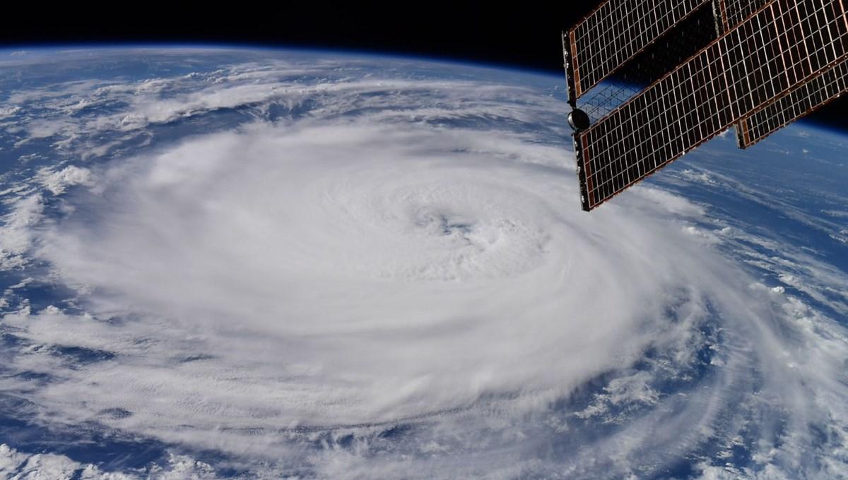 Astronotlar paylaştı: Larry Kasırgası uzaydan görüntülendi