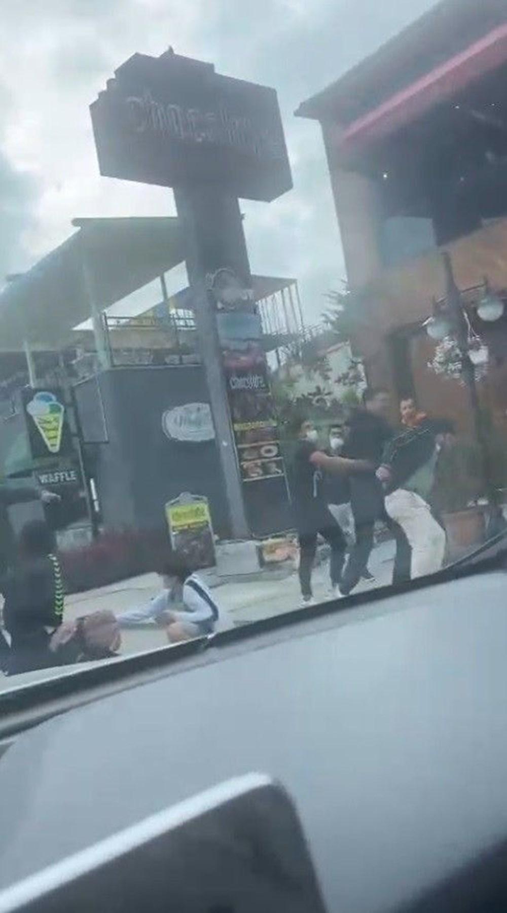 İstanbul'da eşini döven adama meydan dayağı - 3