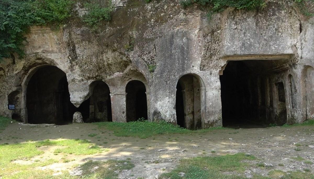 Aya Nikola Manastırı yabancı turistleri bekliyor