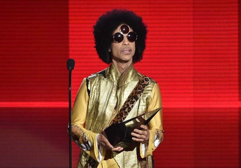Rolling Stones dergisi tarafından tüm zamanların en iyi müzisyenleri listesine 28'inci sıradan giren Prince 'yaşayan efsane' olarak kabul ediliyordu