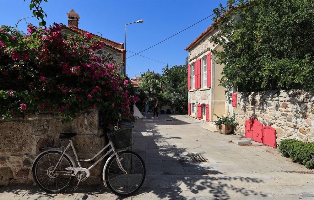 Foça'nın asırlık taş evleri yıllara meydan okuyor - 5