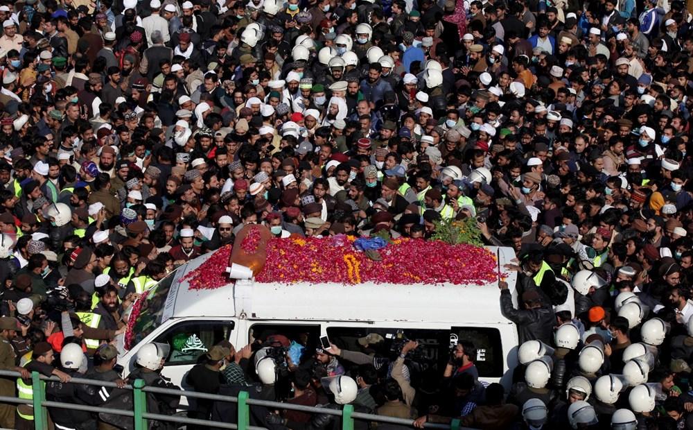 Pakistan'da on binler cenazeye katıldı - 6