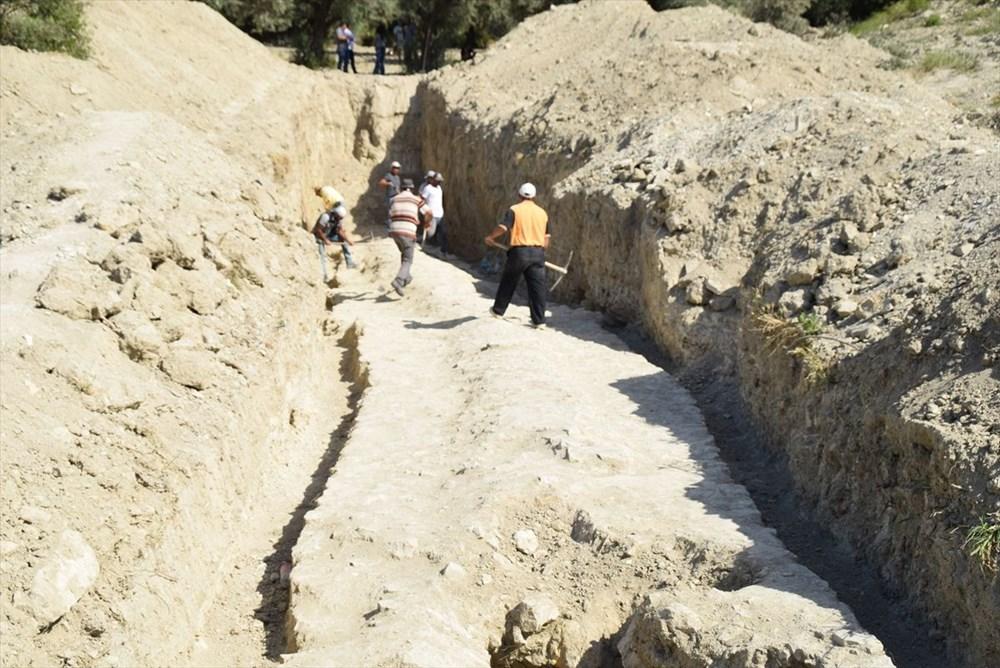 Kuşadası'nda inşaat alanındaki sondajda Milattan Önce 1'inci yüzyıla ait su kemeri bulundu - 6