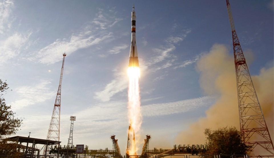 ABD'li astronot Kevin FordveRuskozmonotlar Oleg Novitskiy ile Evgeny Tarelkin'in 23 Eylül'de Uzay'a ateşlendi.