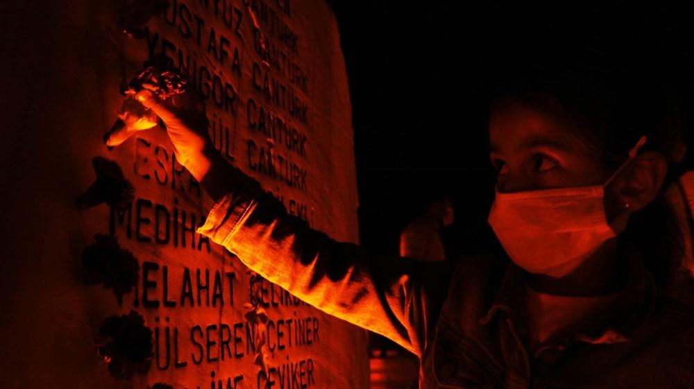 17 Ağustos depreminin 21. yılı: Hayatını kaybedenler törenle anıldı - 16