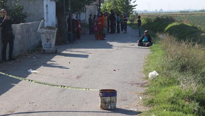 Geri manevra yapan kamyonet çocuğu ezdi (Adana'da feci olay)