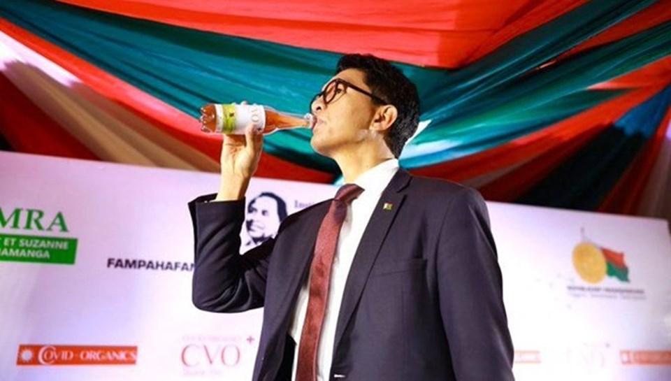 Madagaskar Cumhurbaşkanı Andry Rajoelina, ilacı canlı yayında içerek tanıtmıştı