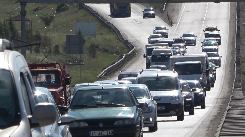 Tam kapanma sonrası 43 ilin geçiş noktasında trafik kilitlendi - 2