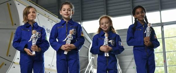 Kadın astronot Samantha Cristoforetti Barbie koleksiyonunda (İlham veren kadınların Barbie'leri)