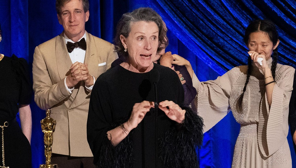 Frances McDormand 93. Oscar Ödülleri töreninde neden kurt gibi uludu?