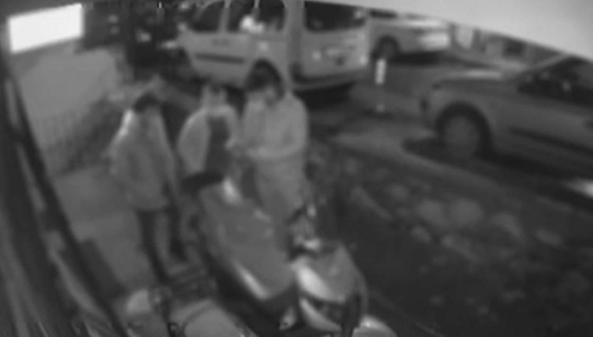 'Polisiz' diyerek girdikleri evden 42 bin 500 lira çaldılar
