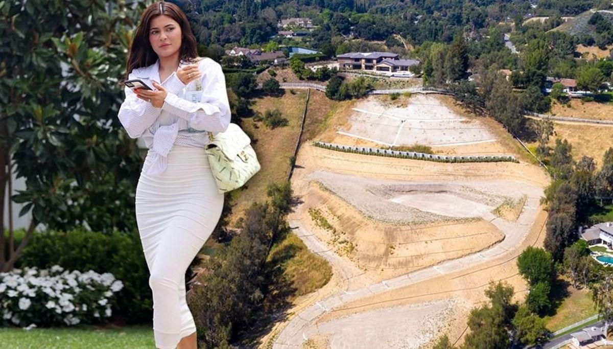 Kylie Jenner, Hidden Hills'teki arsasına hayalindeki evi yaptırıyor