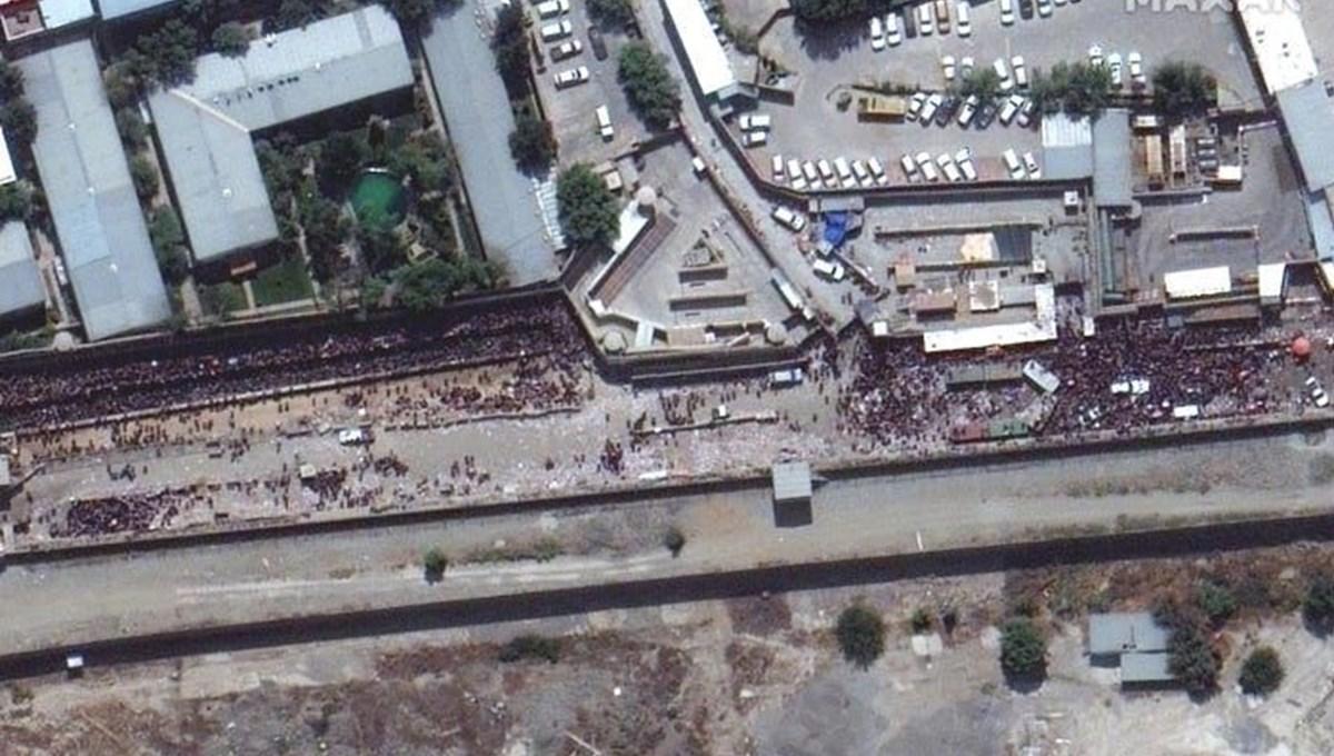 Kabil Havalimanı'ndaki kalabalık uydu görüntülerine yansıdı