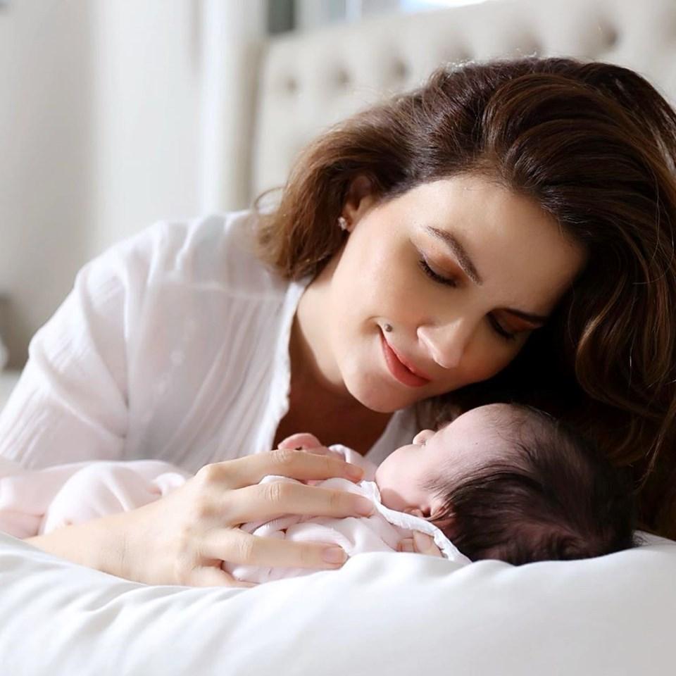 Pedro de Noronha ve Tülin Şahin'in kızları Siena Leyla kasım ayında dünyaya geldi
