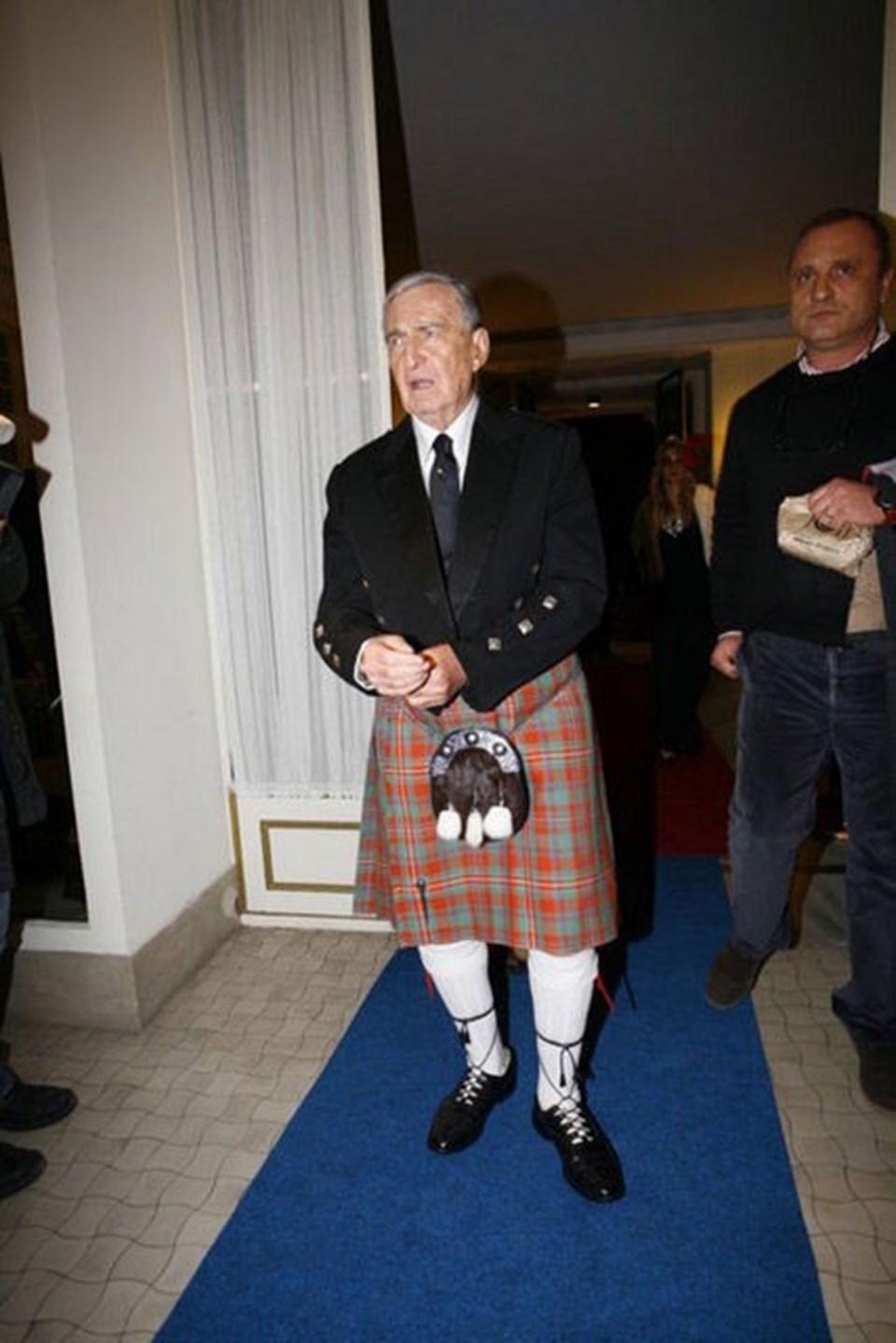 Rahmi Koç, geçen yıl İstanbul Venedik Sarayı'ndaki partide İskoçların milli kıyafetini giymişti