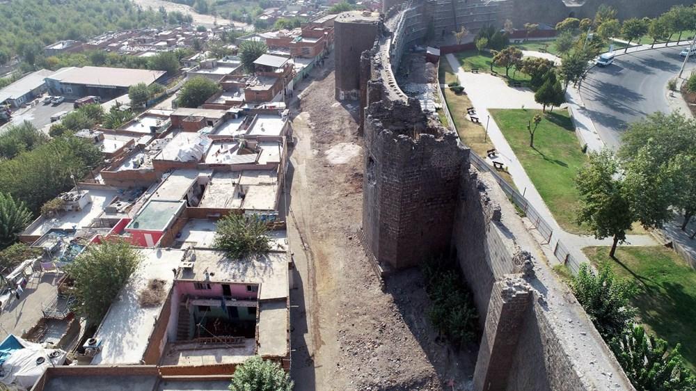 Diyarbakır'da gecekonduların yıkılmasıyla kitabe ve nişler ortaya çıktı - 7