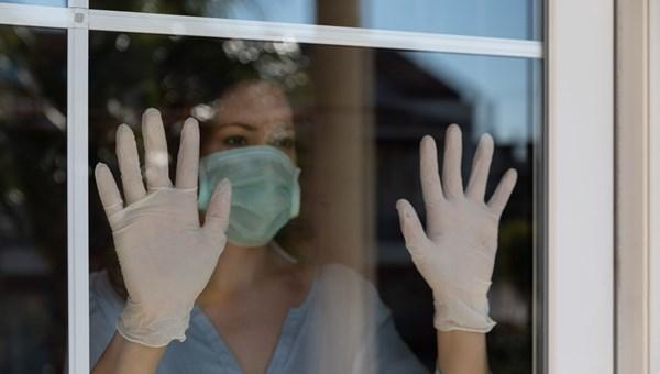 Corona virüsten iyileşenlerin üçte biri tekrar hastalanabilir