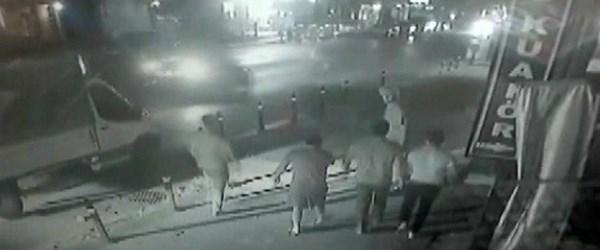 Havalimanında kalan Mehmet Şanlı, sopalı saldırıya uğramış