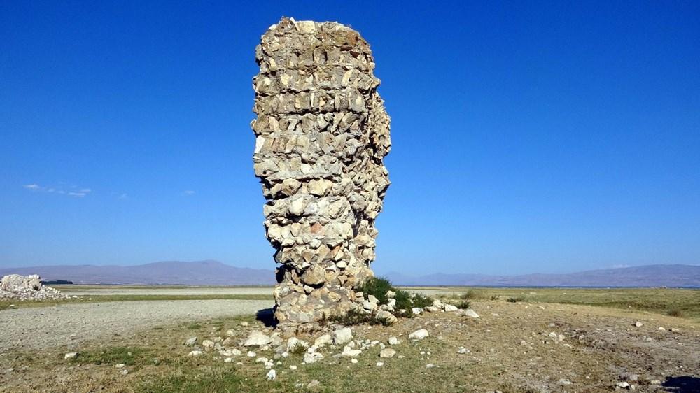 Van Gölü'nde sular çekilince tarihi Erciş Kalesi ortaya çıktı - 4