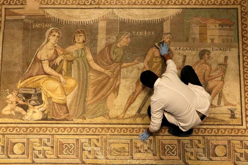 Zeugma Mozaik Müzesi'ndeki eserler, cerrah hassasiyetiyle temizlenerek geleceğe aktarılıyor - 8