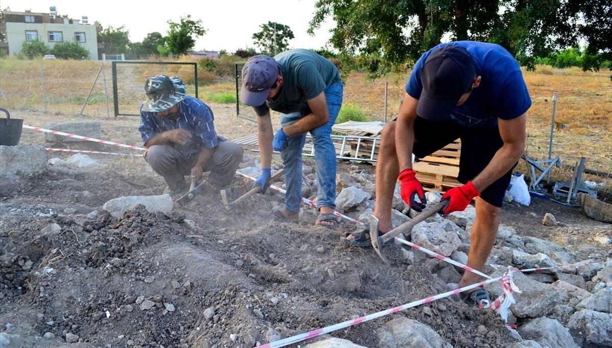 Mersin'deki kazılarda Aratos'un anıt mezarının zeminine ulaşıldı