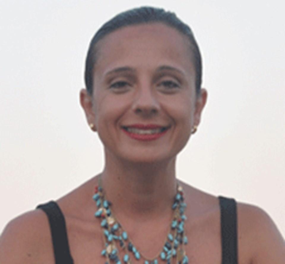 Blog Yazarı Esra Ürkmez Bayraklı