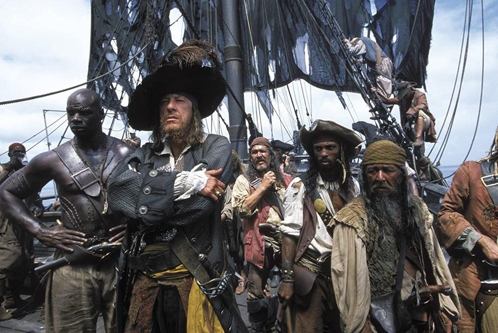 Johnny Depp tahtını Margot Robbie'ye kaptırabilir (Karayip Korsanları hakkında her şey) - 7
