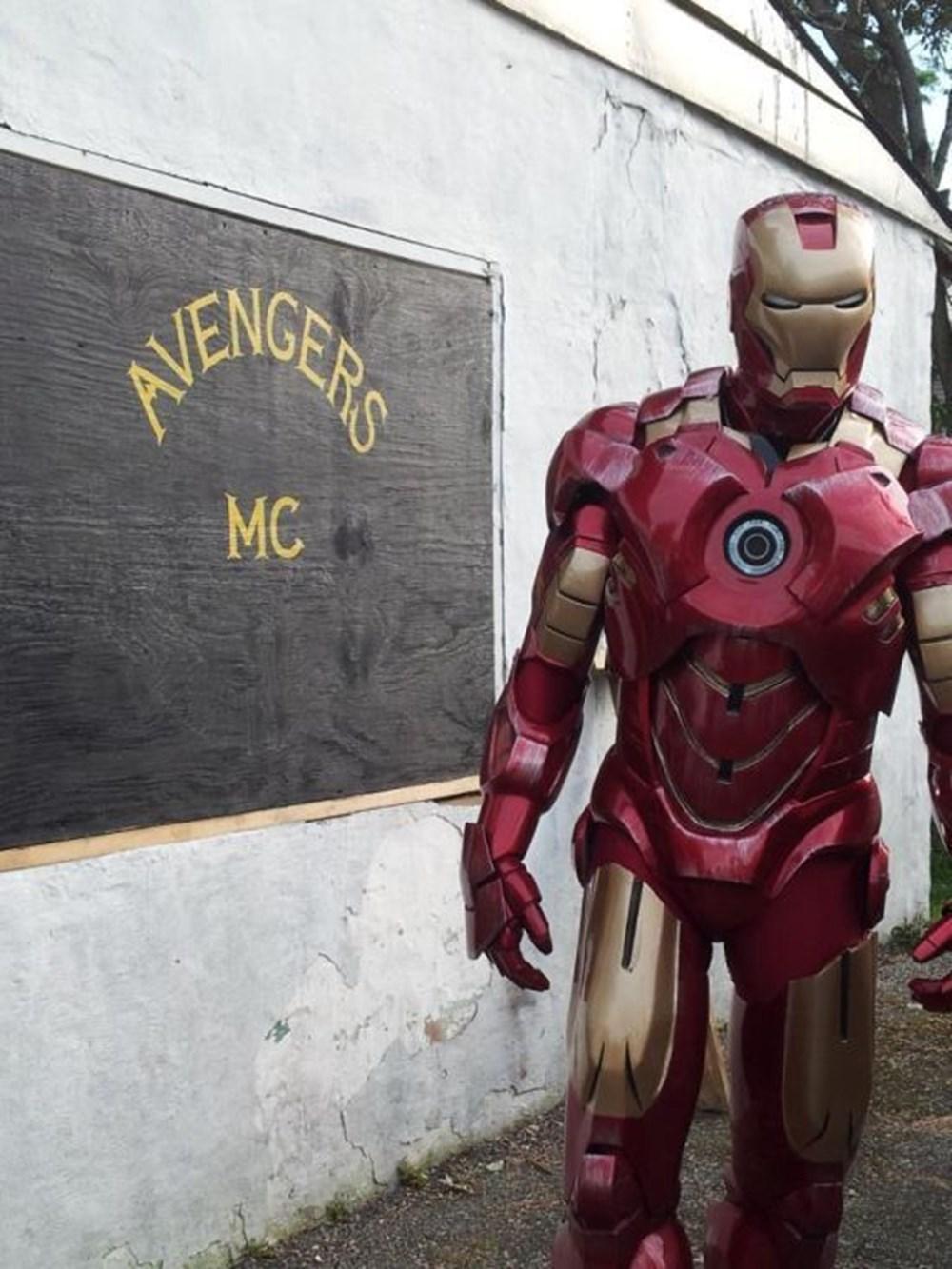 Roberto Hoyos Vlog 46 - Crochet Iron Man! - YouTube | 1333x1000