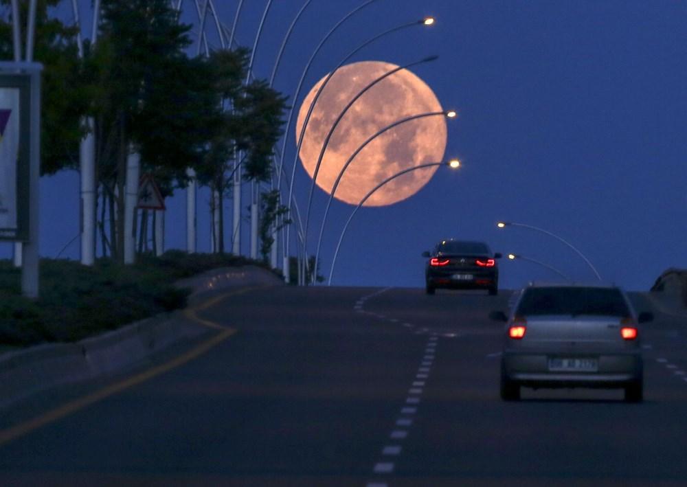 2021'in son Süper Ay'ı, Çilek Ay Tutulması gerçekleşti: Türkiye'den ve dünyadan manzaralar - 3